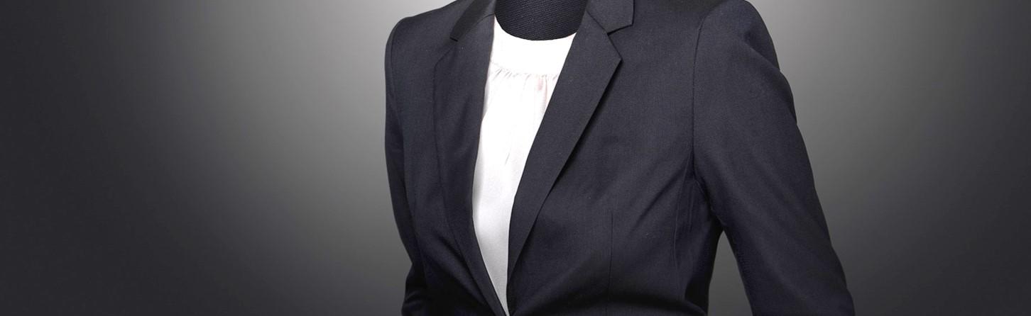 女性編 基本はリクルートスーツスタイル
