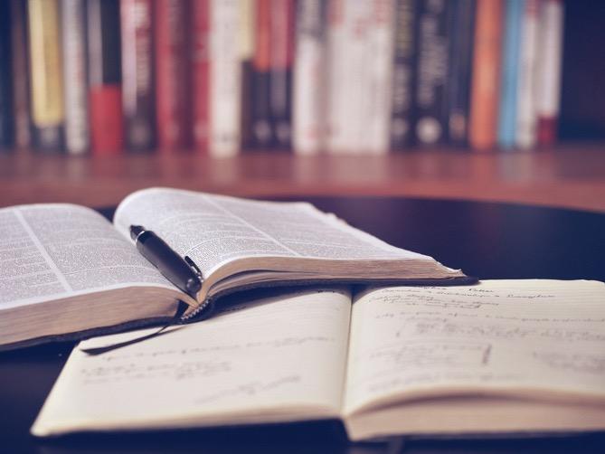 独学で知識を身に着けることは可能か?