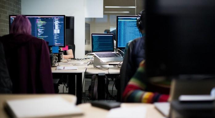 未経験から社内SEに転職することは難しい?