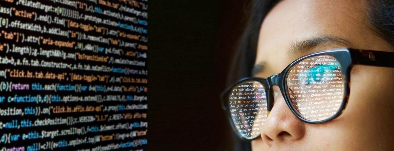 Pythonなどのプログラミング知識を身につける
